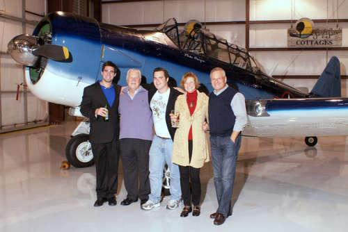 30_stefan_tony_bryson_and_nancy_jobe_with_mike_pangia_and_his_texan__large