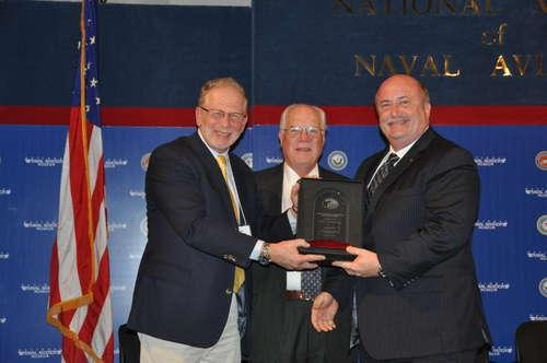 43_presentation_of_nall_safety_award_to_bill_voss__large